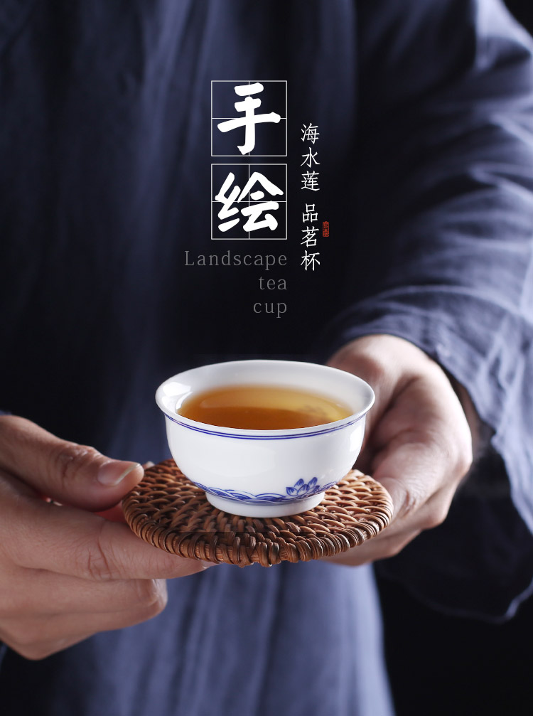 Jingdezhen up the fire which is hand draw a single sample tea cup of blue and white porcelain ceramics cup home kunfu tea cups white porcelain