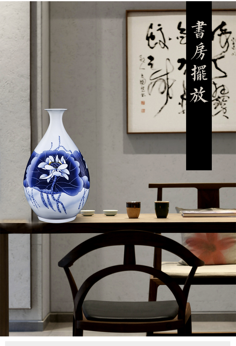 Blue and white porcelain of jingdezhen ceramics hand - made lotus flower vase flower arrangement sitting room adornment of Chinese style household porcelain furnishing articles