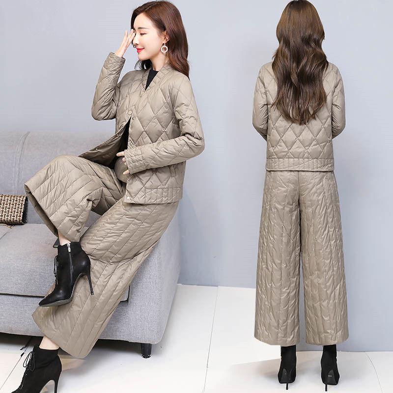 及向单/冬装新款时尚羽绒服套装女