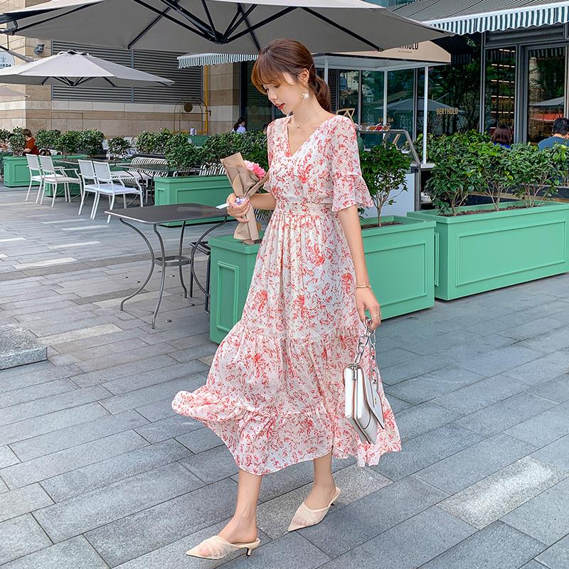 2021年夏季新款短袖碎花裙长款超仙收腰荷叶袖气质连衣裙长裙