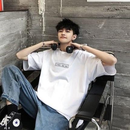 2020夏季新款短袖t恤男韩版潮流宽松五分袖体恤男生七袖白色上衣
