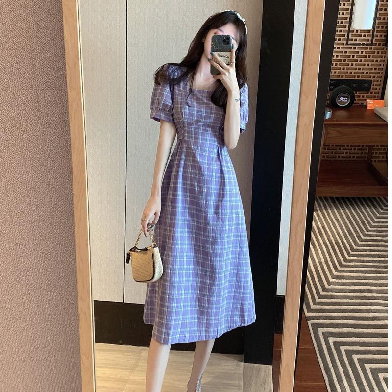 璩绒夏季2021法式复古裙气质方领中长款裙子收腰短袖时尚连衣裙女