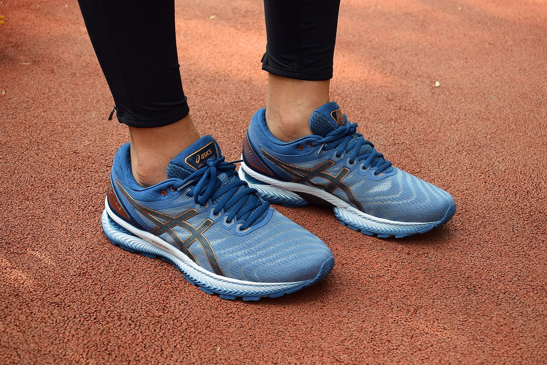 Nimbus22跑鞋实力均衡适用性广52