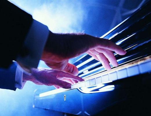2021跨越古典音乐300年·一生必听的世界钢琴名曲-安德烈•伊万诺维奇钢琴独奏音乐会-北京站