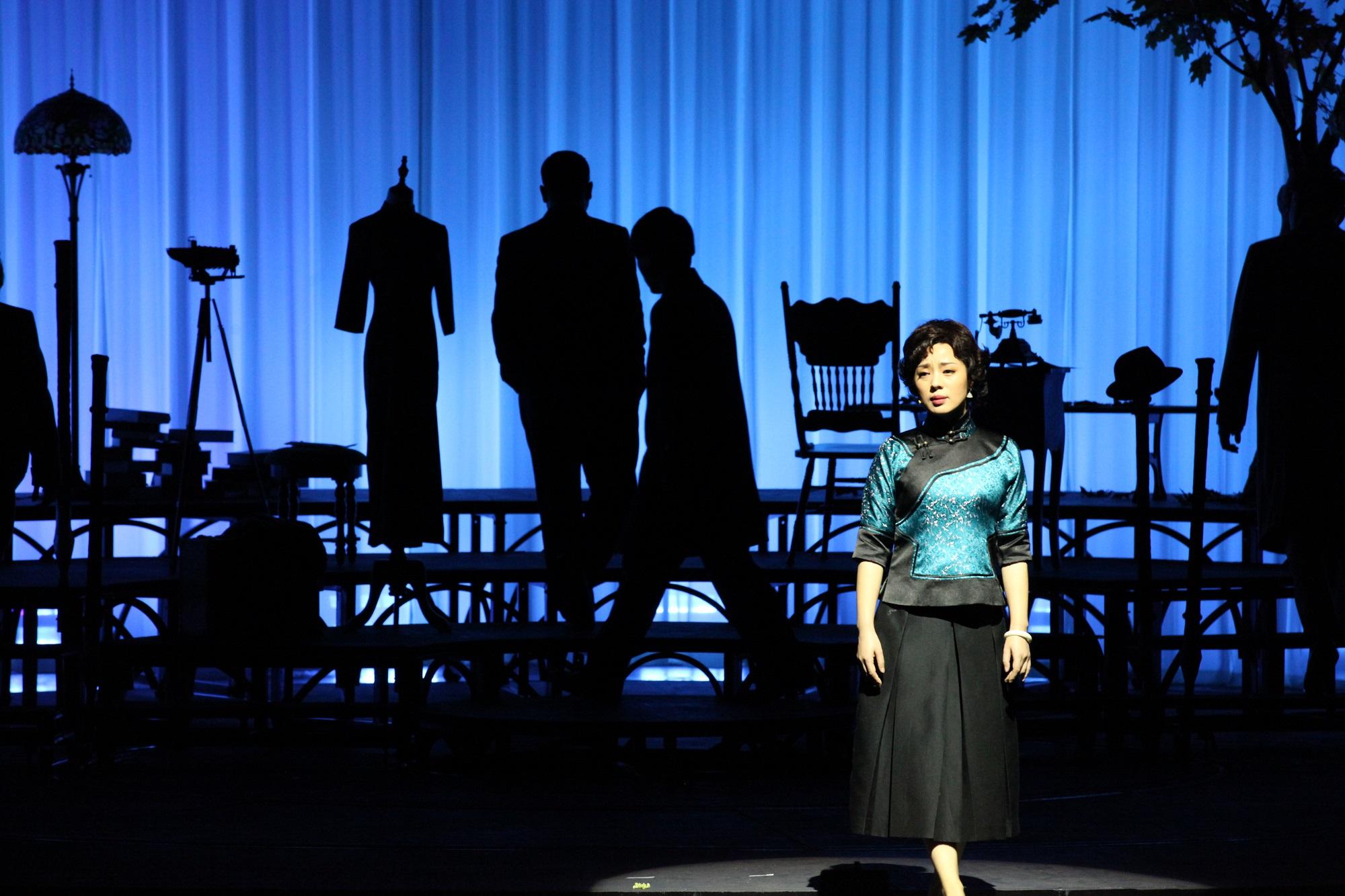 2021第八届武汉国际戏剧演出季《寻她芳踪·张爱玲》-武汉站