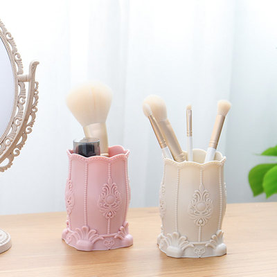 Cosmetic brush stora...
