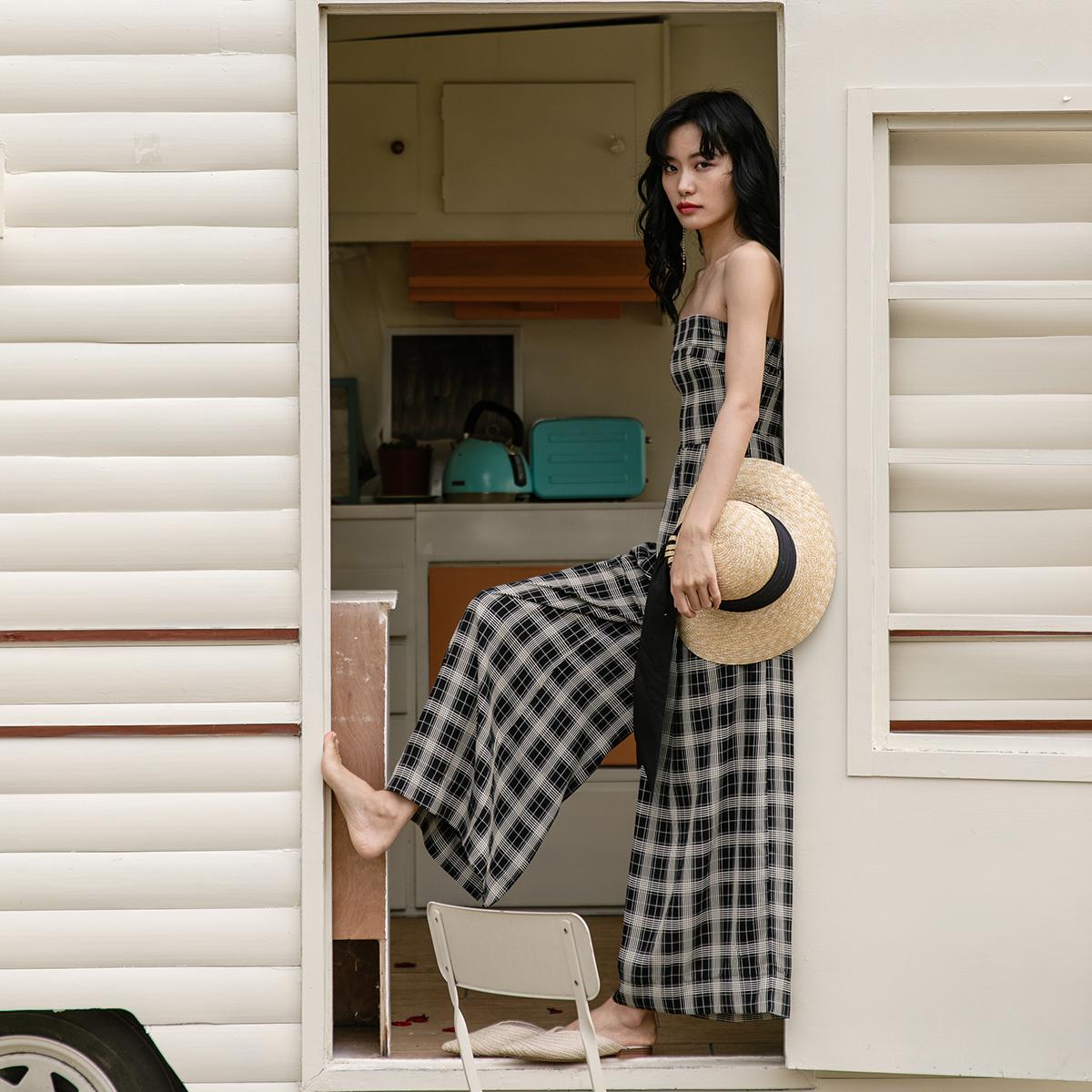 v抹胸抹胸沙滩裤连体女王裤女修身显瘦收腰阔腿裤格子连衣裤长裤