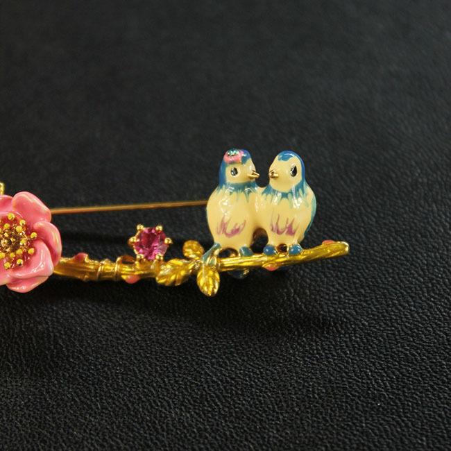 珐琅釉小鸟花朵镶钻胸针2