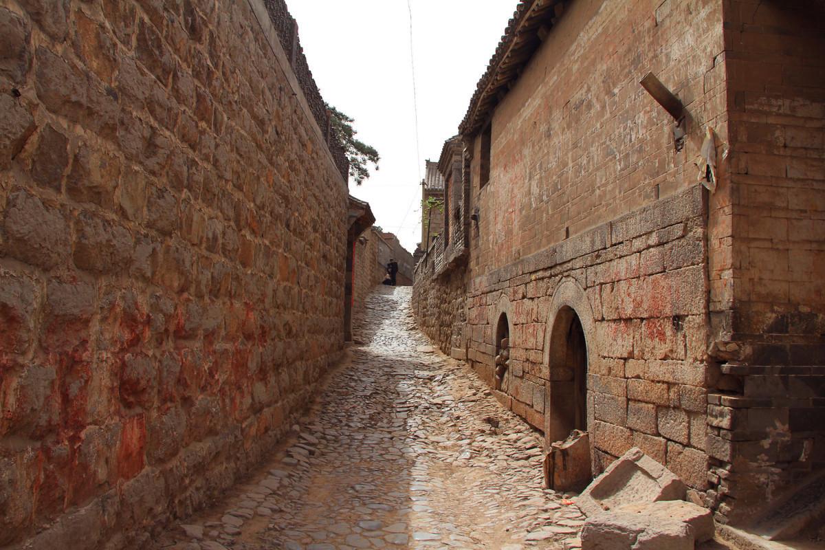 国内罕见的石头村于谦后人隐居此