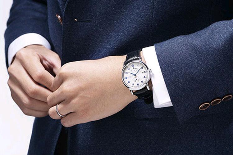 初入职场,手表该如何挑选 ?