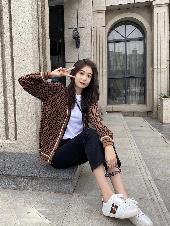 双F字母圆领针织长袖外套上衣复古套头针织衫2020 秋冬新款女开衫