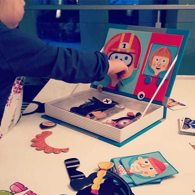 儿童益智磁力拼图磁铁书男孩女孩宝宝磁性换装拼拼乐玩具2-3-4岁_英家券