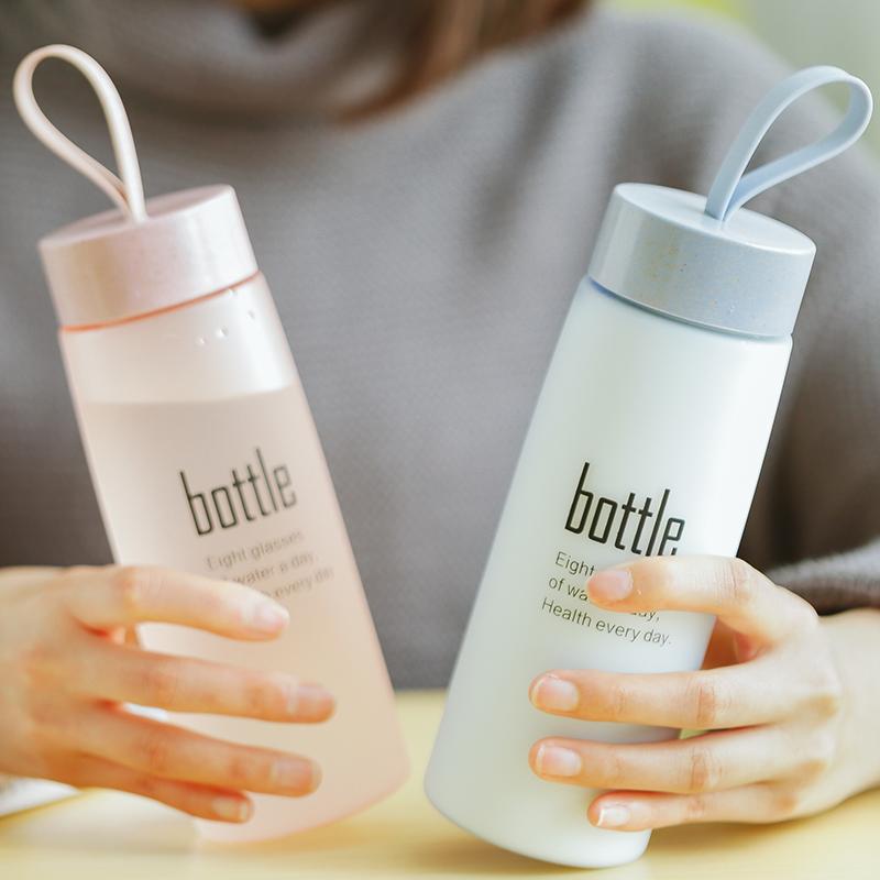 Корейская версия ясно новый Симпатичная чашка пластиковая простая портативная женщина студенческая чашка личность рука чашка герметичность корейский
