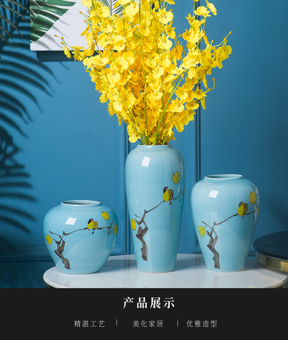 The New Chinese jingdezhen ceramics vase hand - made small and pure and fresh flower arranging place flower implement sitting room hotel soft decoration