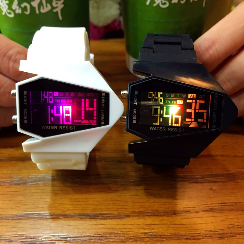 Korean version of the trend of LED luminous creative aircraft children's alarm clock electronic watch men and women couples students personalized watches