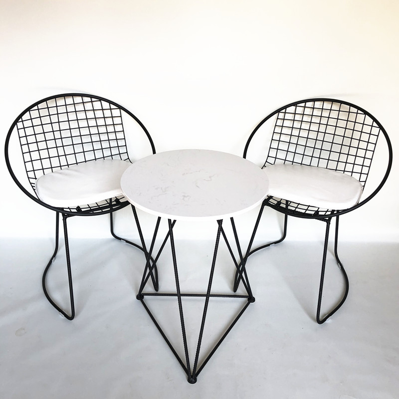 "One table and two chairs black ""Desktop Marble"""