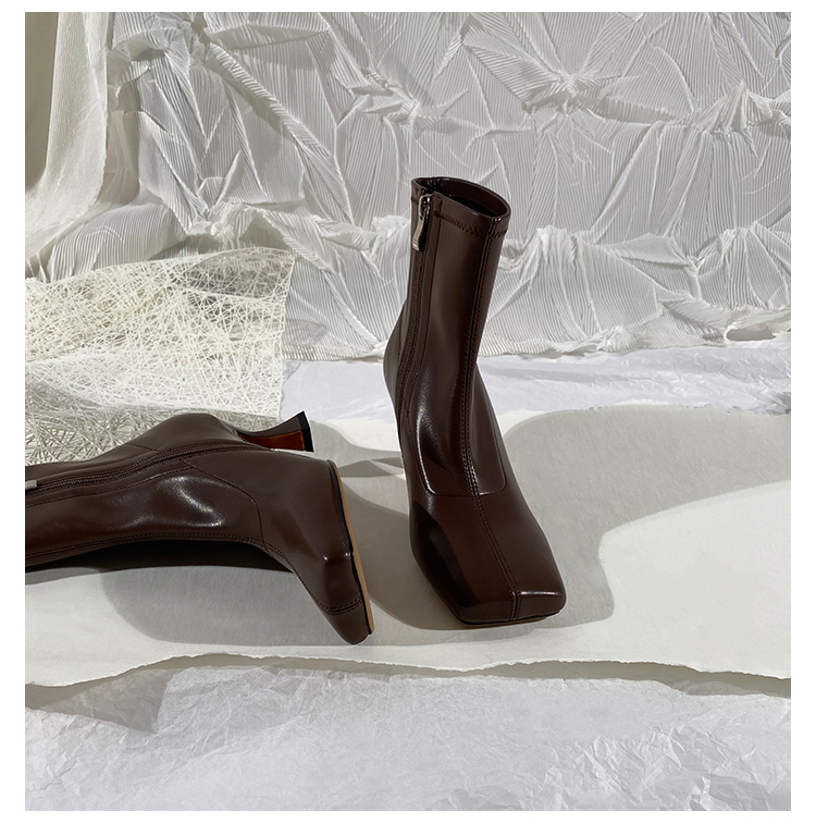 墨染·蓮花府邸2121冬新款女靴時尚高跟馬丁靴簡約側拉鍊短靴方頭瘦瘦靴