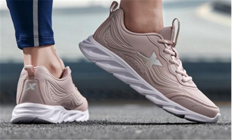 秋季运动新潮流,你需要一双酷炫跑鞋