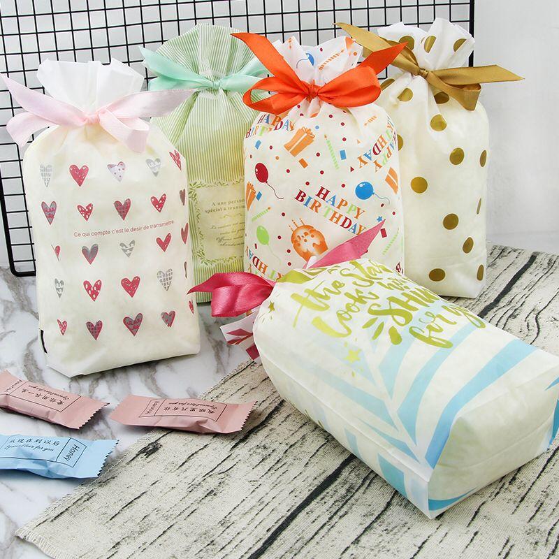 50枚入束口袋白底小爱心圆点礼品包装袋 丝带抽绳袋 糖果袋回礼袋
