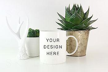 白色咖啡马克杯样机素材 White coffee mug mockup image