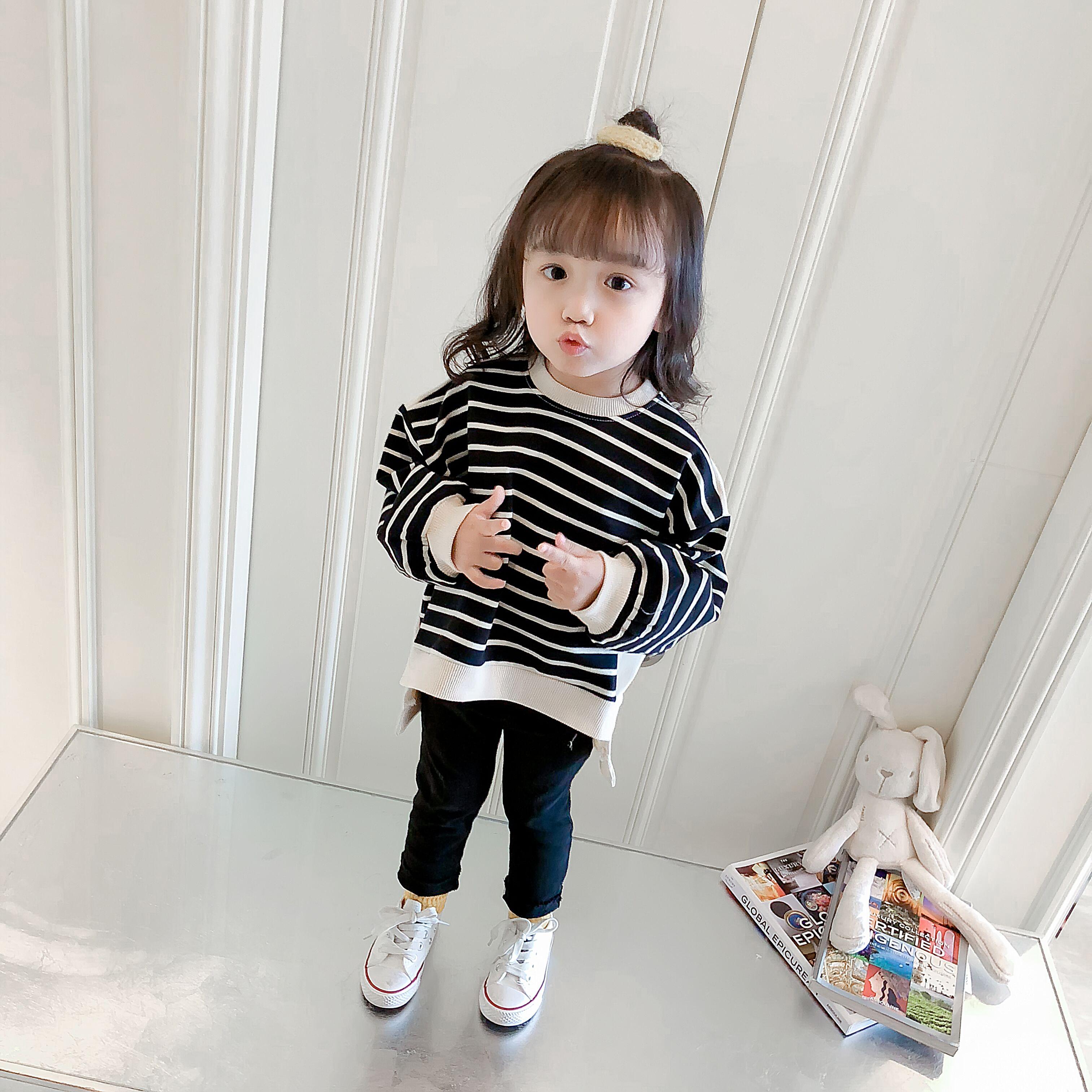 Girls sweater plus velvet 2018 autumn and winter clothing new 1-2-3 years old 4 children baby long-sleeved shirt children's shirt