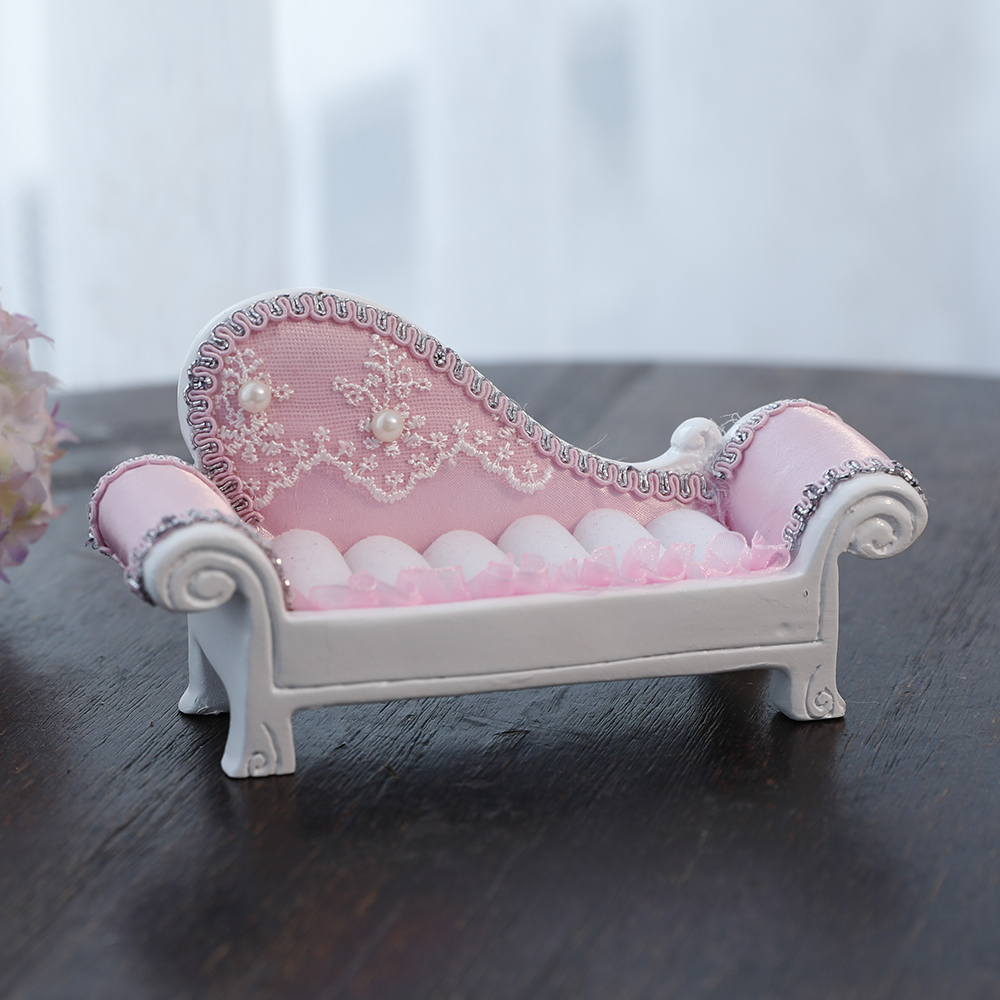 Pink Lady's chaise couch economical box