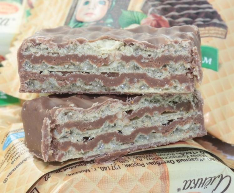 进口威化糖果 大头娃娃牛巧克力威化 碎榛仁威化饼干