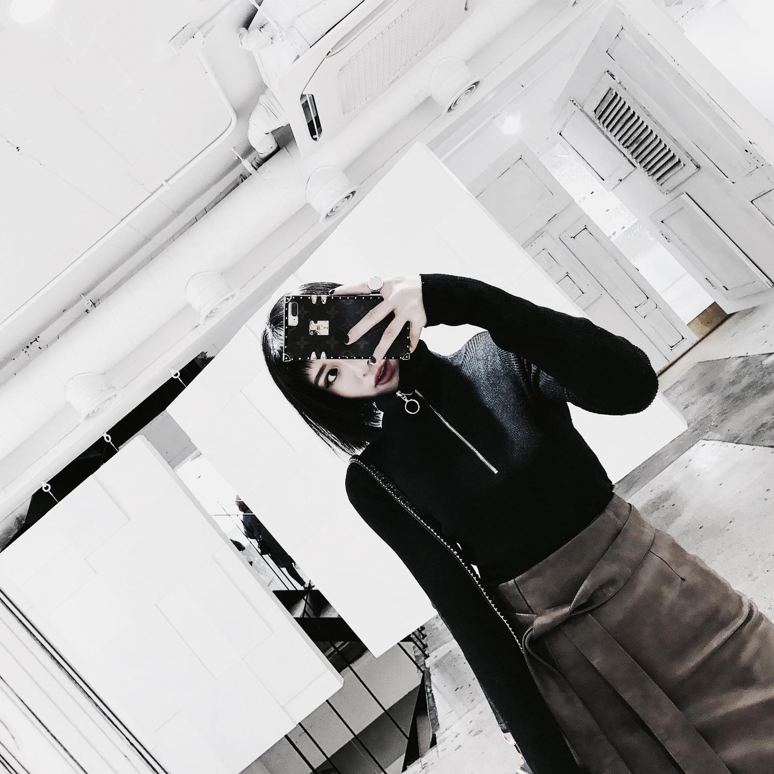 前短后长喇叭袖宽松罩衫韩版秋冬季坑条套头针织衫高领开叉毛衣女