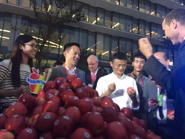 台湾小伙放弃高薪卖水果在天猫创