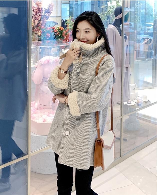 时尚麻灰色毛呢大衣,轻松搭出时髦高级范