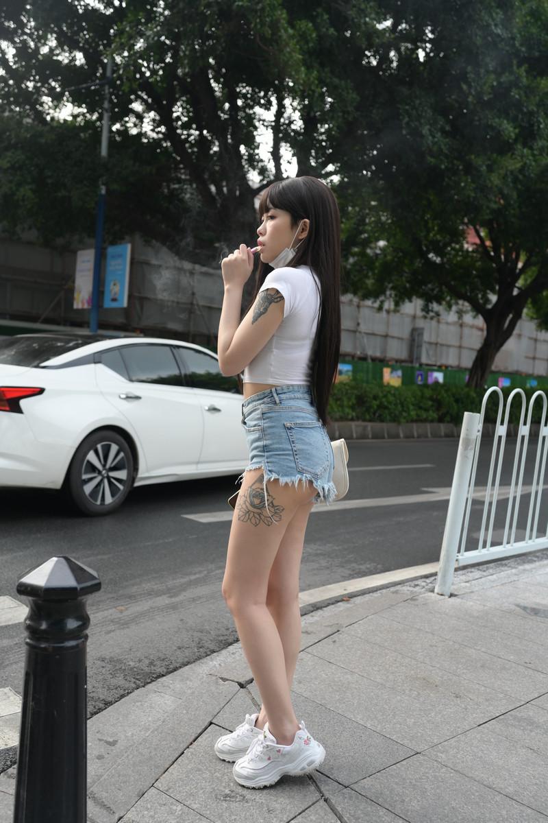 慕容笙模拍作品热裤小妹【套图+视频】 68066806  帖子ID:810