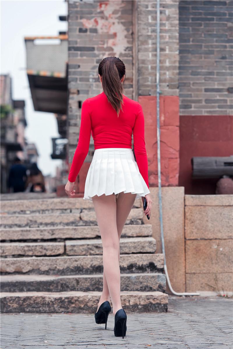 红衣短裙高跟美女 【套图+视频】 14781478 帖子ID:13