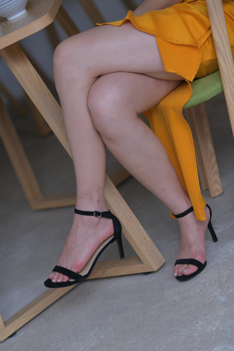 红石大理旅拍作品第三篇黄色包臀裙美女【视频+图片】 94559455  帖子ID:762