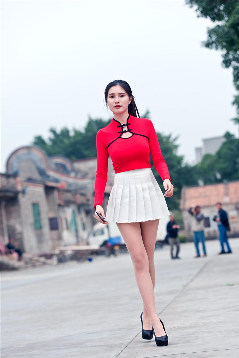 红衣短裙高跟美女 【套图+视频】 73407340 帖子ID:13