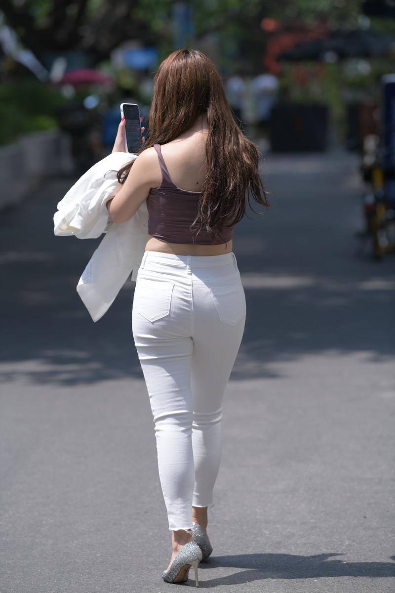 宅宅街拍作品白色牛仔裤小姐姐【套图+视频】 19601960  帖子ID:803