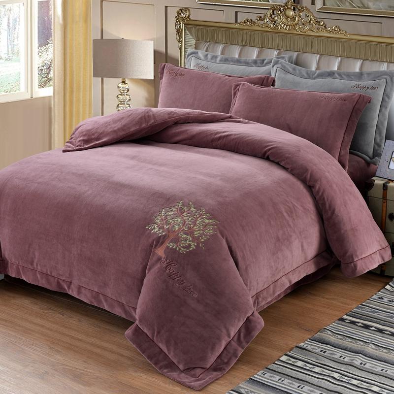 Màu rắn san hô nhung bé bốn mảnh kiểu giường 1,5m mùa đông ấm áp dày flannel 1,8 mét 2.0 - Bộ đồ giường bốn mảnh