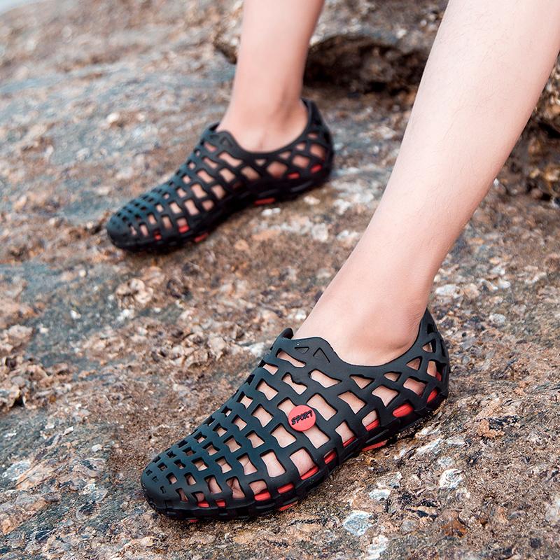 洞洞鞋男2018新款室外沙滩凉鞋夏季学生拖鞋男士韩版情侣时尚外穿