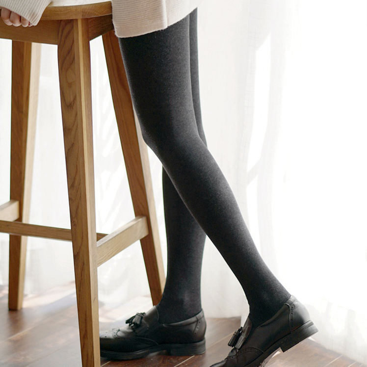 Super thick giant warm 1600D plush plus thick pantyhose winter show thin pantyhose women's dark gray coffee color.