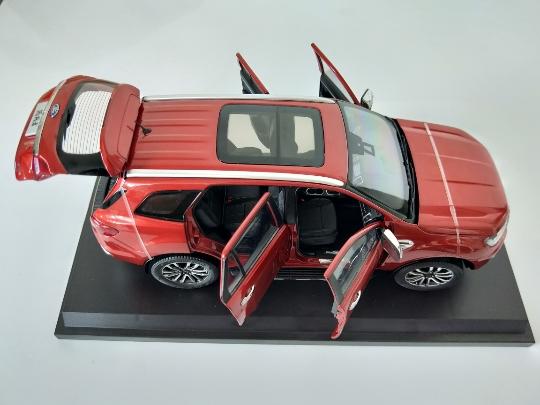 Xe mô hình  tĩnh Ford Evererest tỉ lệ 1:18 - ảnh 4