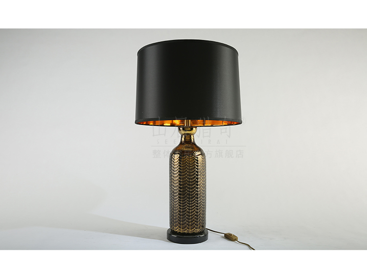 American retro creative ceramic desk lamp lamp decoration to the hotel the sitting room the desktop study desk lamp of bedroom the head of a bed is placed