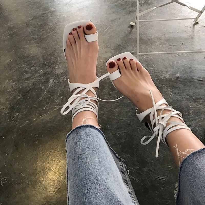 凉鞋女夏2019网红同款欧美粗跟高跟绑带凉鞋女显瘦夹脚凉鞋女高跟