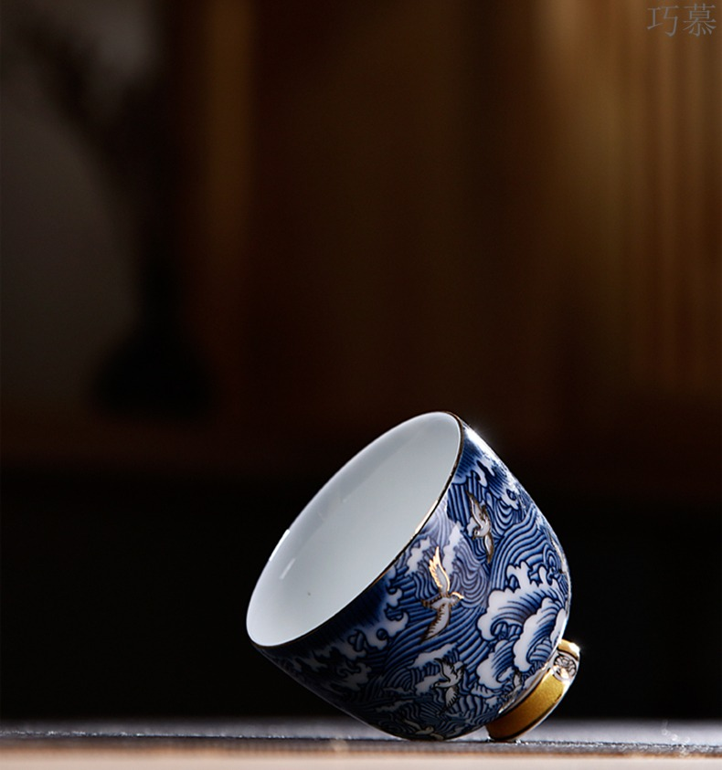Qiao mu white porcelain cup blue coloured drawing or pattern, small sample tea cup masters cup individual to a cup of tea light kung fu tea set