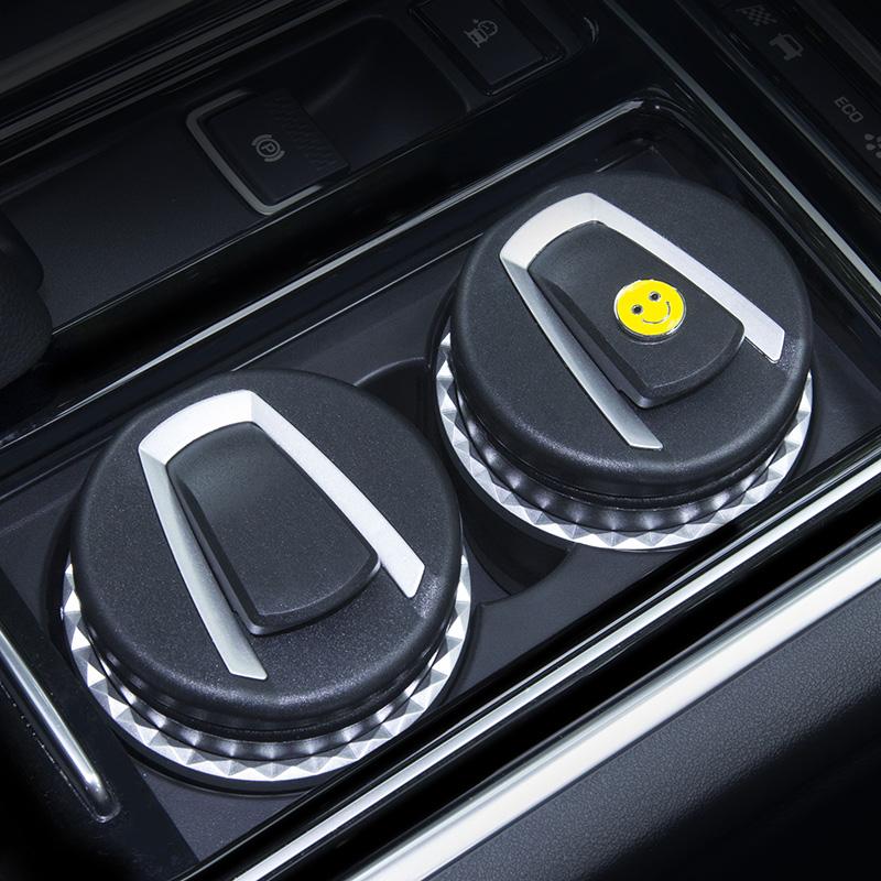 车载烟灰缸创意个性有盖夜光带灯车内通用品潮流多功能汽车烟灰缸