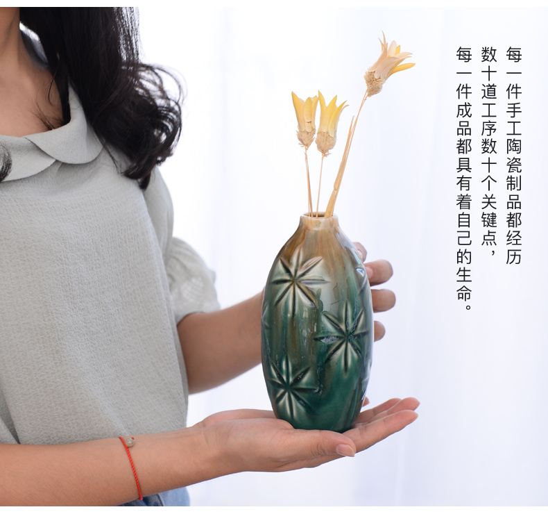 Ceramic small pure and fresh and dry flower vase is contracted and I sitting room home decoration flower arranging flowers is placed
