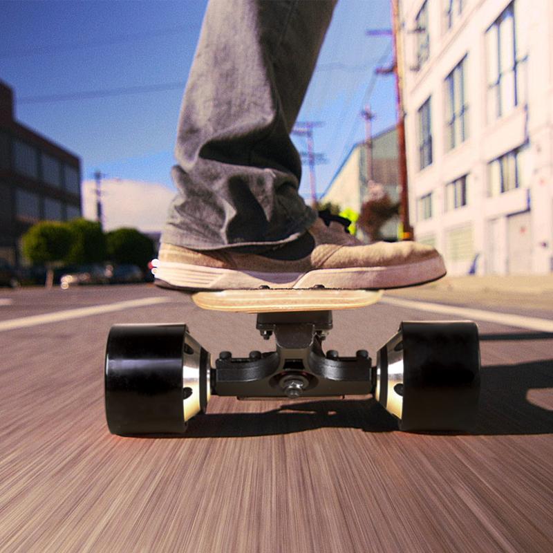 自由輪高速電動滑板車無線遙控大學生代步雙驅越野四輪楓木長板