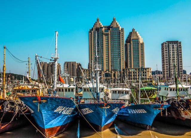 """中国最大的天然渔港,素有""""小上海""""之称"""