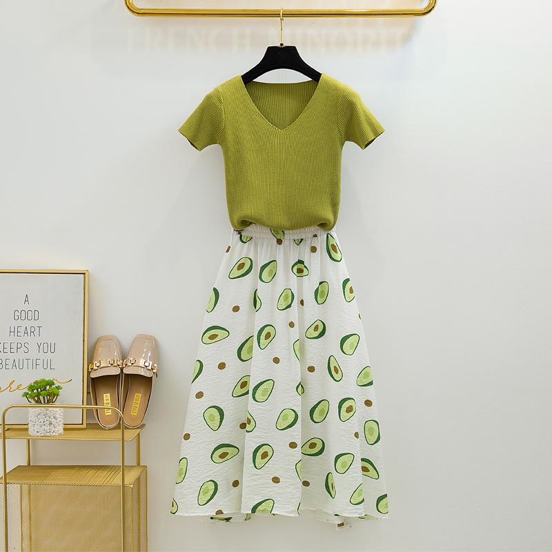 小清新牛油果绿减龄两件套裙子很仙的套装 维多利亚法式过膝长裙_领取20元天猫超市优惠券