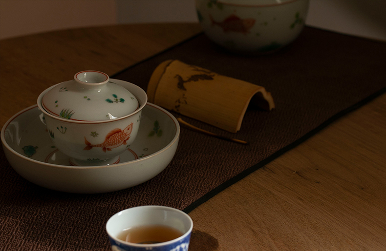 High - end checking hand - made ceramic story town tureen only three tureen single brocade carp footed tureen