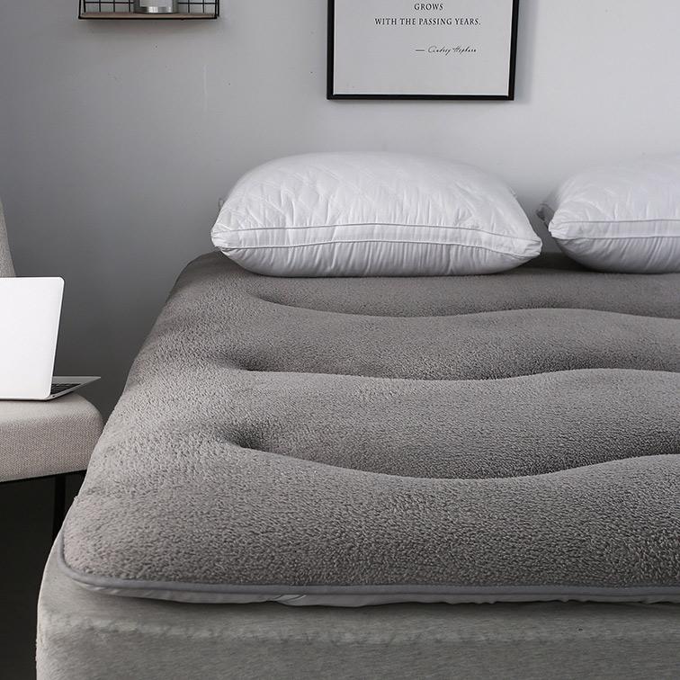 Phòng ngủ ký túc xá sinh viên 1,8m nệm 1,5 tấm chống trượt đơn đôi 1,2 giường nệm cừu cashmere bảo vệ pad - Nệm