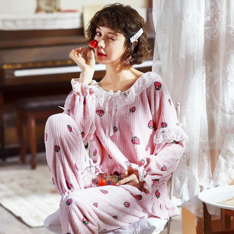 秋冬甜美可爱珊瑚绒睡衣套装